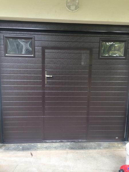 Menuiserie malaval portail de garage for Ouverture porte de garage avec smartphone